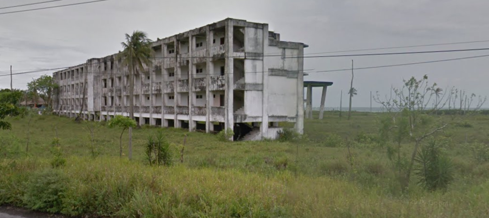 Bob LaGarde - Road trip through Central America - Abandoned Hotel -2 Ocean Road to Veracruz
