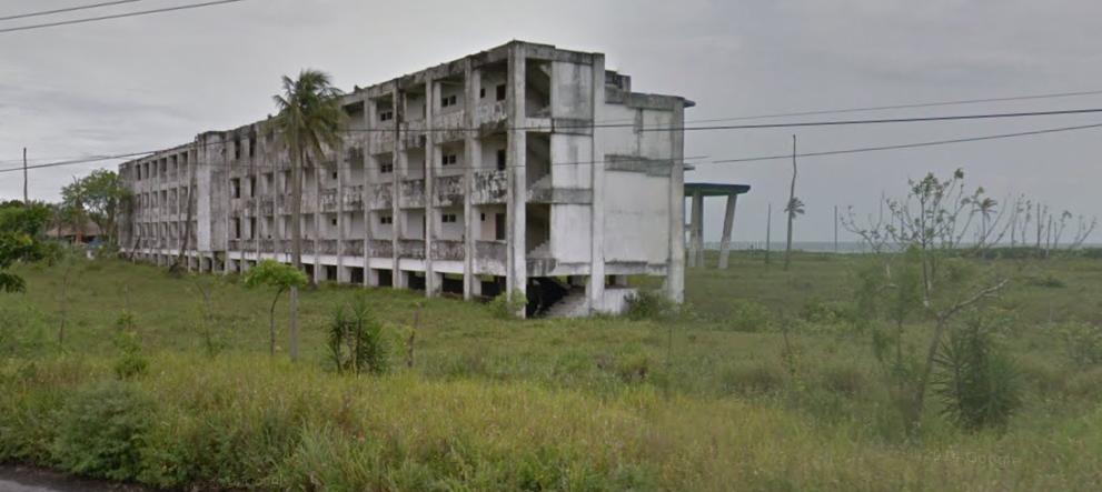 Bob LaGarde - Road trip through Central America - Abandoned Hotel -2 Ocean Road to Veracruz