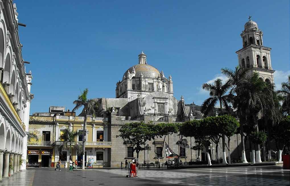 Bob LaGarde - Road trip through Central America - Cathedral de Veracruz