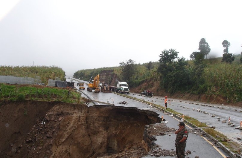 Bob LaGarde - Road trip through Central America - Collapsed section of highway near Nahala, Guatemala