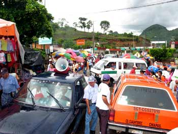 Bob LaGarde - Road trip through Central America - packed street market area at La Mesilla