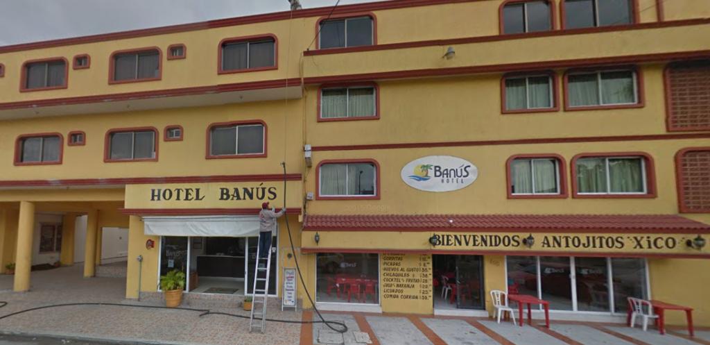 Bob LaGarde - Road trip through Central America - Hotel Banus Veracruz