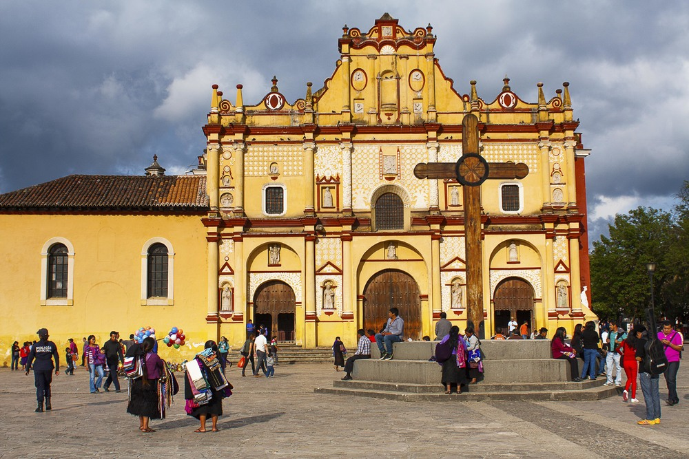 Bob LaGarde - Road trip throughout Central America - Indigenous Church San Cristobal de las Casas