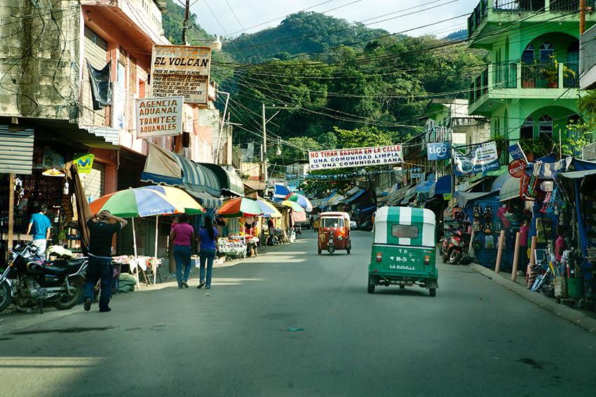 Bob LaGarde - Road trip through Central America - El Centro La Mesilla