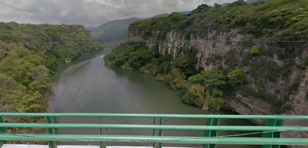 Bob LaGarde - Road trip through Central America - Rio Grijalva Crossing outside of Tuxtla