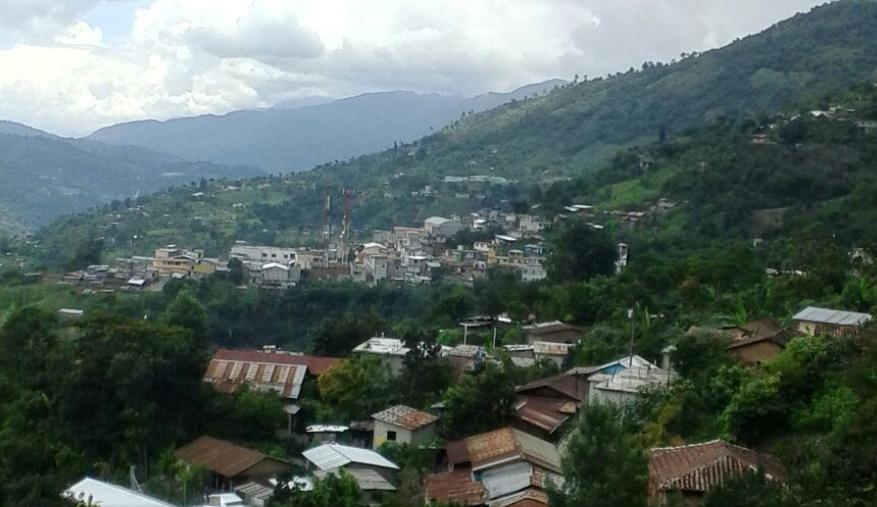 Bob LaGarde - Road trip through Central America - San Rafael Petzal 10km from Huehuetenango