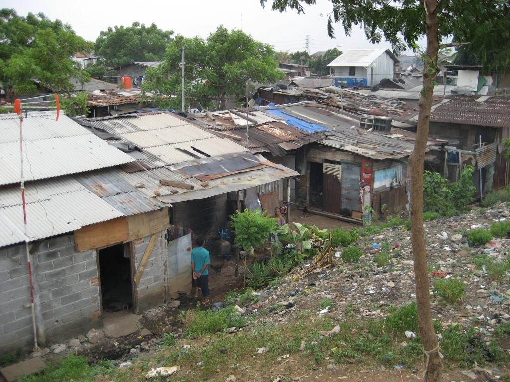 Bob LaGarde - Road trip through Central America - Nuevo Laredo slums