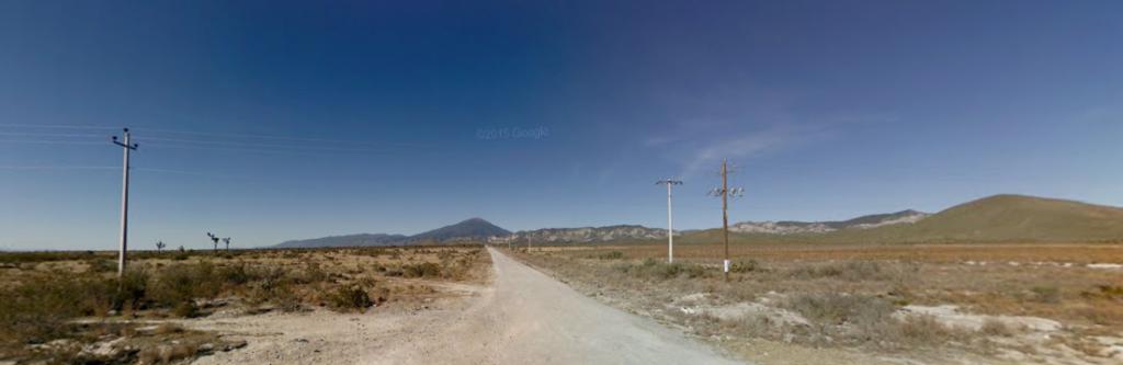 Bob LaGarde - Road trip through Central America - unpaved road to Linares